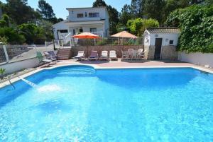 obrázek - Montbarbat Villa Sleeps 8 Pool