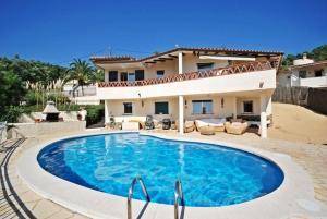 obrázek - Montbarbat Villa Sleeps 8 Pool WiFi