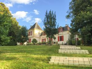 Port-Sainte-Foy-et-Ponchapt Chateau Sleeps 29 Pool - Saint-Avit-du-Moiron