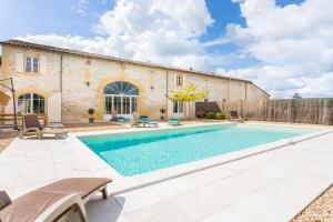 Saint-Avit-Saint-Nazaire Villa Sleeps 8 Pool WiFi - Saint-Avit-du-Moiron