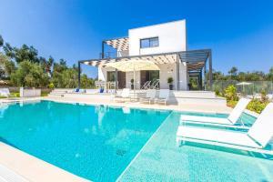 Agios Mathaios Villa Sleeps 6 Pool Air Con WiFi - Agios Ioannis Peristerion