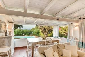 Liscia di Vacca Villa Sleeps 6 Pool Air Con WiFi - AbcAlberghi.com
