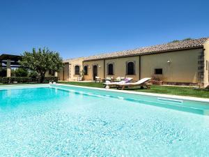 Ciane Villa Sleeps 8 Pool Air Con WiFi - AbcAlberghi.com