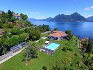 Domodossola Villa Sleeps 6 Pool WiFi - AbcAlberghi.com