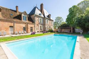 Brinon-sur-Sauldre Chateau Sleeps 12 Pool WiFi - Sennely