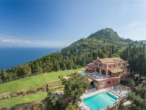 Gastouri Villa Sleeps 17 Pool Air Con WiFi - Áyioi Dhéka