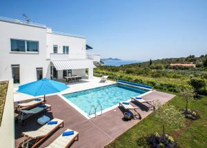Orasac Villa Sleeps 8 Pool WiFi