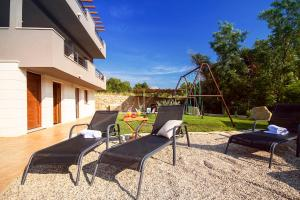 Tugare Villa Sleeps 8 Pool Air Con WiFi