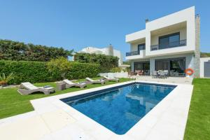 Ialysos Villa Sleeps 8 Pool Air Con WiFi - Ialisos