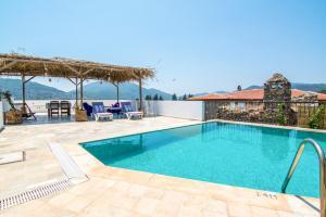Alanya Villa Sleeps 4 Pool Air Con WiFi - Kayakoy