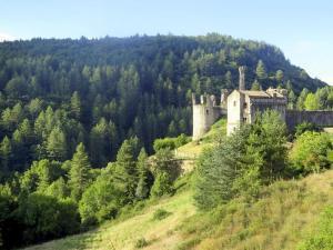 Saint-Michel-de-Boulogne Chateau Sleeps 18 WiFi - Privas