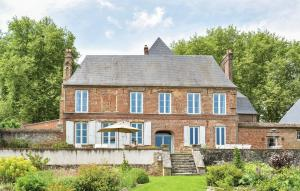 Gournay-en-Bray Chateau Sleeps 12 Pool WiFi - Montroty