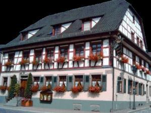Landhotel Krone - Königsbach Stein