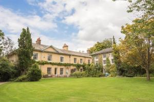 Wellington Chateau Sleeps 31 WiFi - Stawley