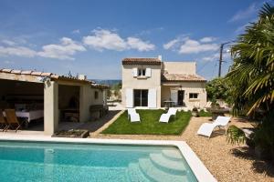 Charleval Villa Sleeps 8 Pool - Fleury-la-Forêt