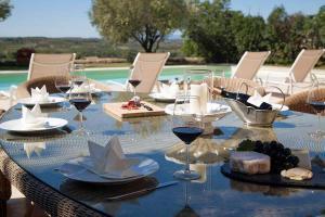 Alignan du Vent Villa Sleeps 10 Pool