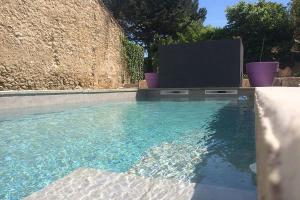 Nissan lez Enserune Villa Sleeps 8 Pool