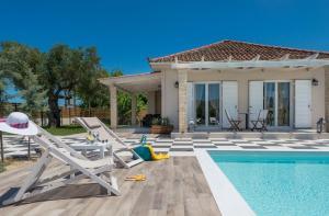 Sarakinado Villa Sleeps 4 Pool Air Con WiFi - Vanáton