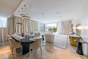 Maison Privee - FIVE Palm Residences - Dubai