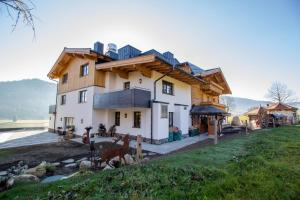 Pension Tannenhof, Bed and Breakfasts  Leogang - big - 44