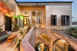 Auberges de jeunesse - Fauzi Azar by Abraham Hostels