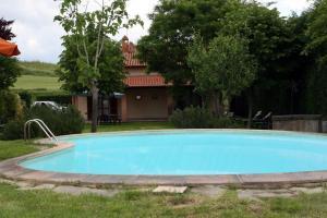Chianacce Villa Sleeps 12 Pool - AbcAlberghi.com