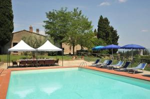San Gimignano Villa Sleeps 14 Pool Air Con WiFi - AbcAlberghi.com