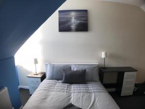 obrázek - Luxurious 4 Bed Home Near City Centre
