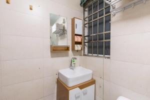 Guangzhou Haizhu·Pearl Shadow Star City· Locals Apartment 00138600, Apartmány  Kanton - big - 8
