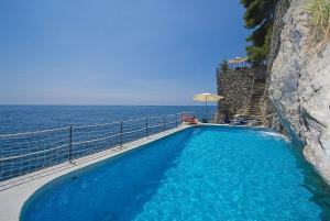 Amalfi Villa Sleeps 6 Pool Air Con WiFi - AbcAlberghi.com