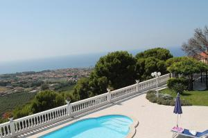Santa Maria Villa Sleeps 14 Pool Air Con WiFi - AbcAlberghi.com