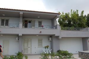Ischia Villa Sleeps 3 Air Con - AbcAlberghi.com