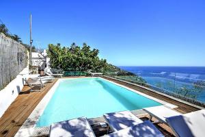 obrázek - Sirenuse Villa Sleeps 6 Pool Air Con WiFi