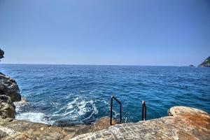 Praiano Villa Sleeps 14 Pool Air Con WiFi - AbcAlberghi.com