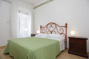 Pupi Catania Etna B&B, Bed & Breakfast  Aci Castello - big - 81