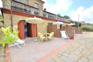 Castellabate Villa Sleeps 3 - AbcAlberghi.com