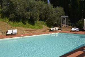 Chiusi Villa Sleeps 4 Pool WiFi - AbcAlberghi.com