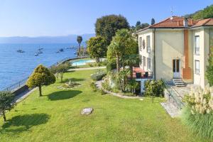 Ghiffa Villa Sleeps 10 Pool WiFi - AbcAlberghi.com