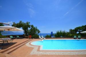 Cammaresano-Villano Villa Sleeps 14 Pool Air Con - Tortorella