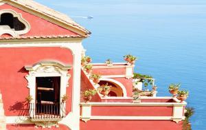 Positano Villa Sleeps 10 Pool Air Con WiFi - AbcAlberghi.com