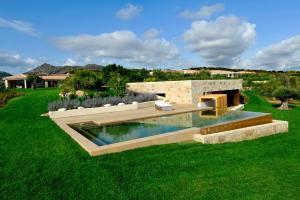 Marina de lu imposta Villa Sleeps 13 Pool Air Con - AbcAlberghi.com