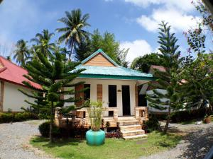 Promtawan River Side Resort - Amphoe Tha Chana