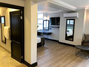 Belaire Suites Hotel, Hotely  Durban - big - 86