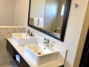 Belaire Suites Hotel, Hotely  Durban - big - 73