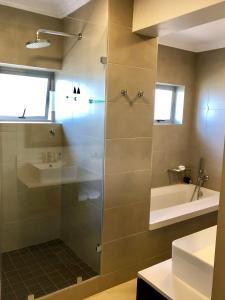Belaire Suites Hotel, Hotely  Durban - big - 74