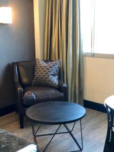 Belaire Suites Hotel, Hotely  Durban - big - 76