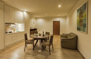 Luxfort 118 Service Suites, Ferienwohnungen  George Town - big - 38