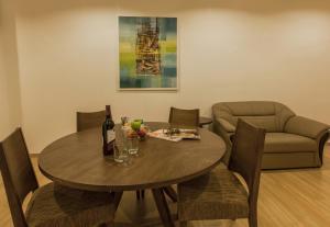 Luxfort 118 Service Suites, Ferienwohnungen  George Town - big - 44