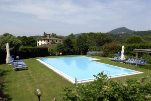 Lucca Villa Sleeps 20 Pool WiFi - AbcAlberghi.com