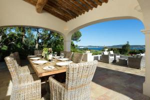 Guerre Vieille Villa Sleeps 10 Pool Air Con WiFi